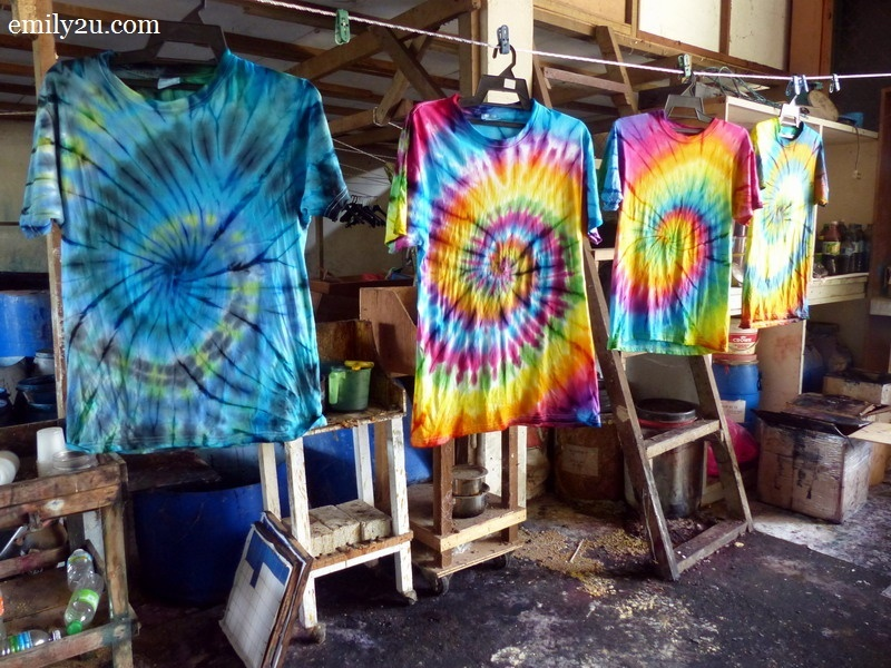 6. psychedelic tie-dye t-shirts