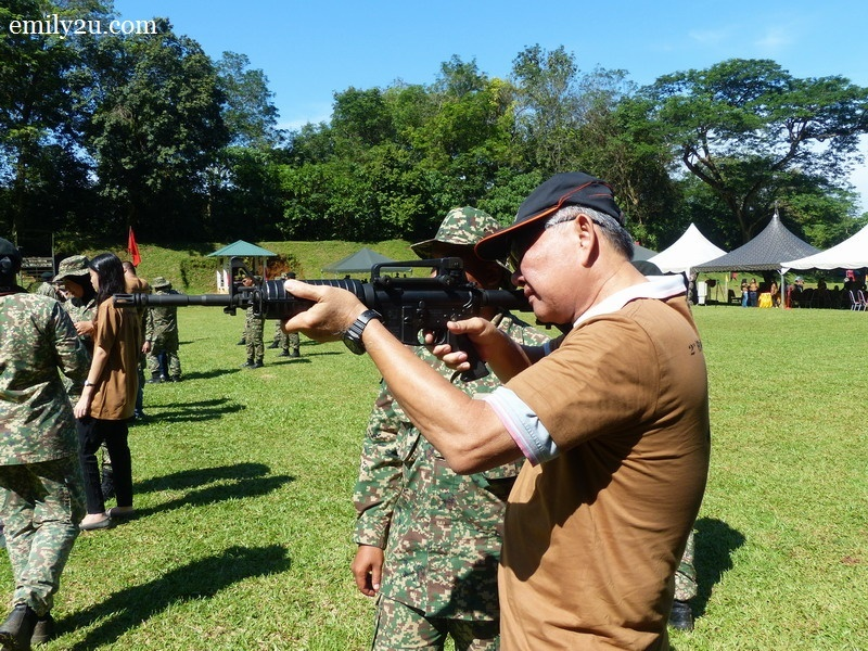 9. Ipoh Echo's SH Ong tries to shoot M4A1 5.56mm