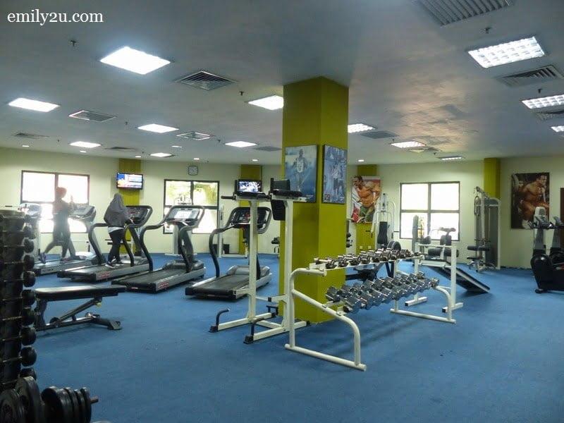 9. gym room