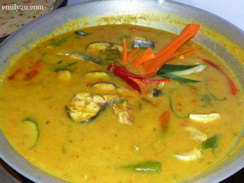 13. catfish in fermented durian paste