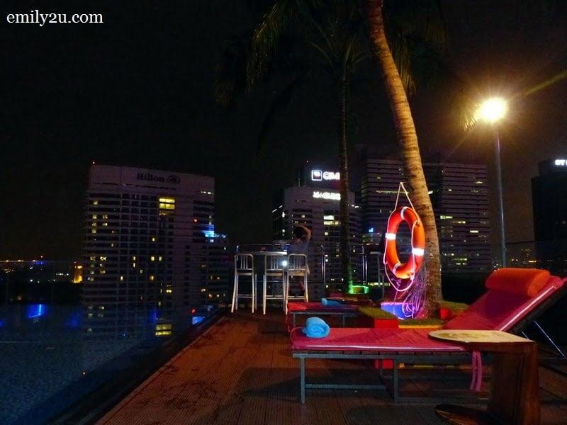 15. rooftop infinity pool called 'splash pool'