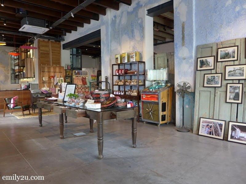22 Hale Street Heritage Gallery