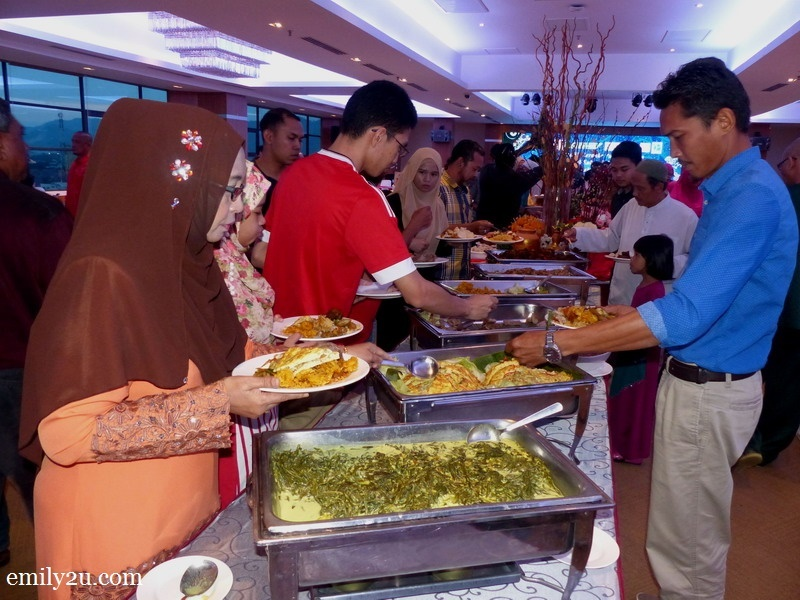 1. an appetising buffet to buka puasa with by Hotel Excelsior Ipoh