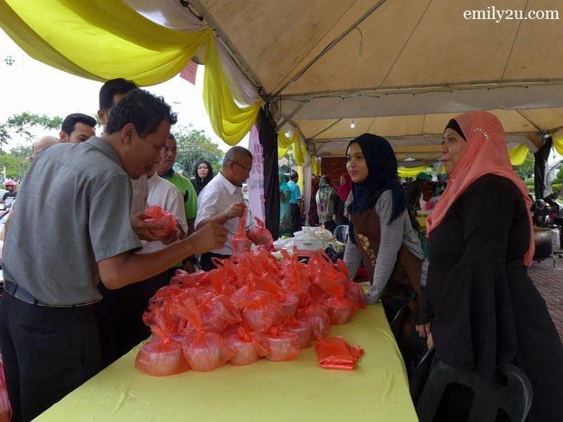 12. at the counter by Kelab Sukan & Kebajikan Media Perak