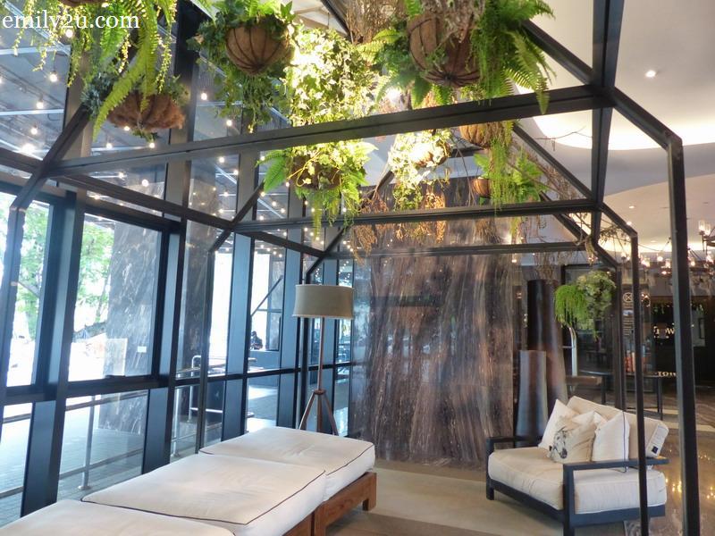 3. lounge