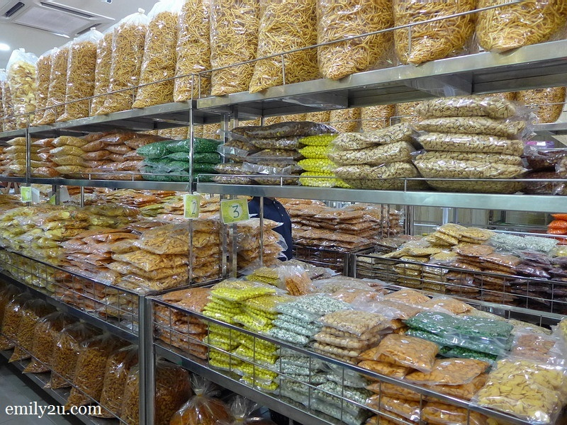 3. shelves of kacang putih