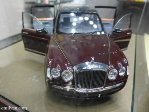4 Queen's State Limousine 2002