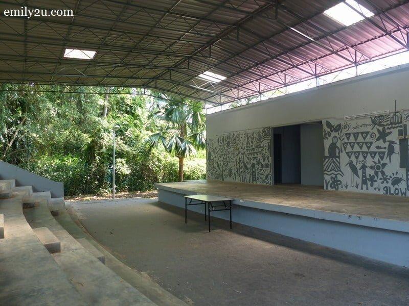 5. amphitheatre