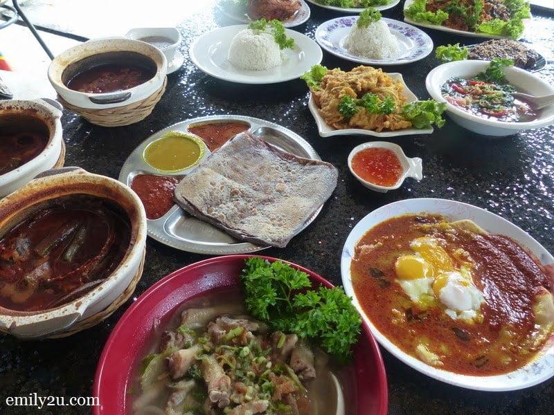 7. lunch spread @  Claypot Asam Pedas Nasi Telur Berlada Andak