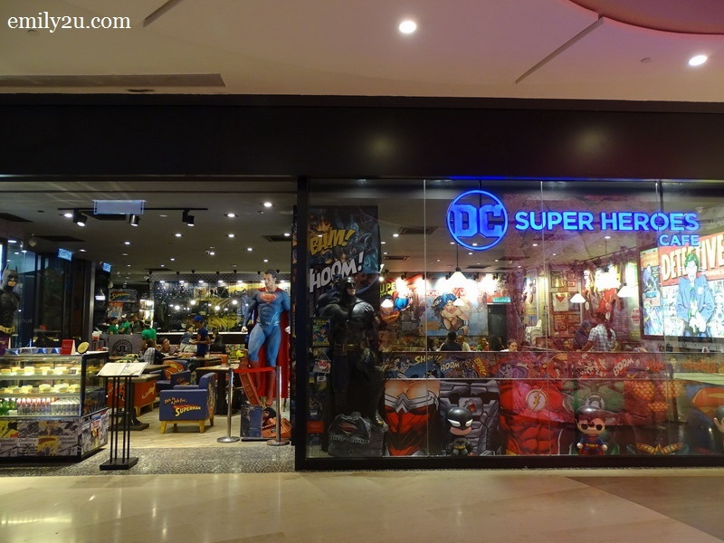 1. DC Comics Super Heroes Café, SkyAvenue