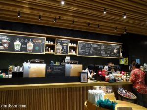 2 Starbucks Reserve