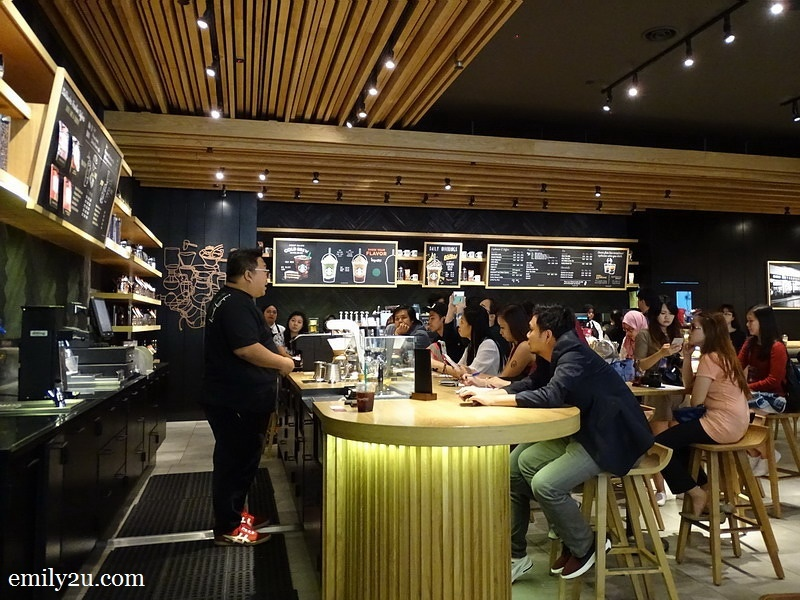 3. Starbucks Coffee Master Salleharon Ahmad introduces Starbucks Reserve®