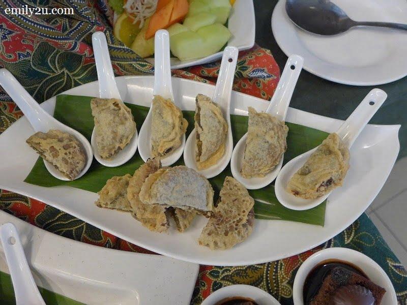 19. Malay kuih-muih