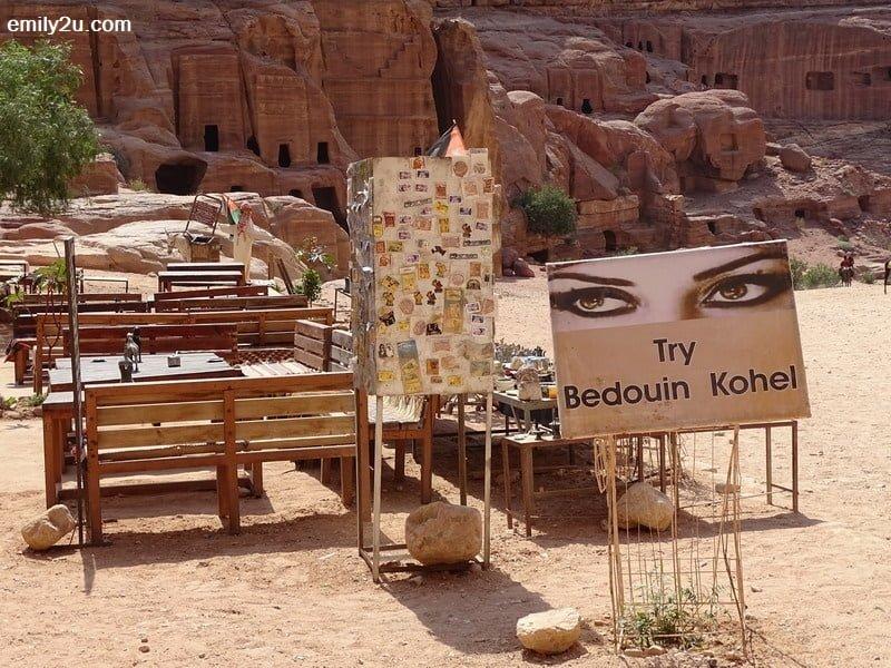 20. Bedouin Kohel service