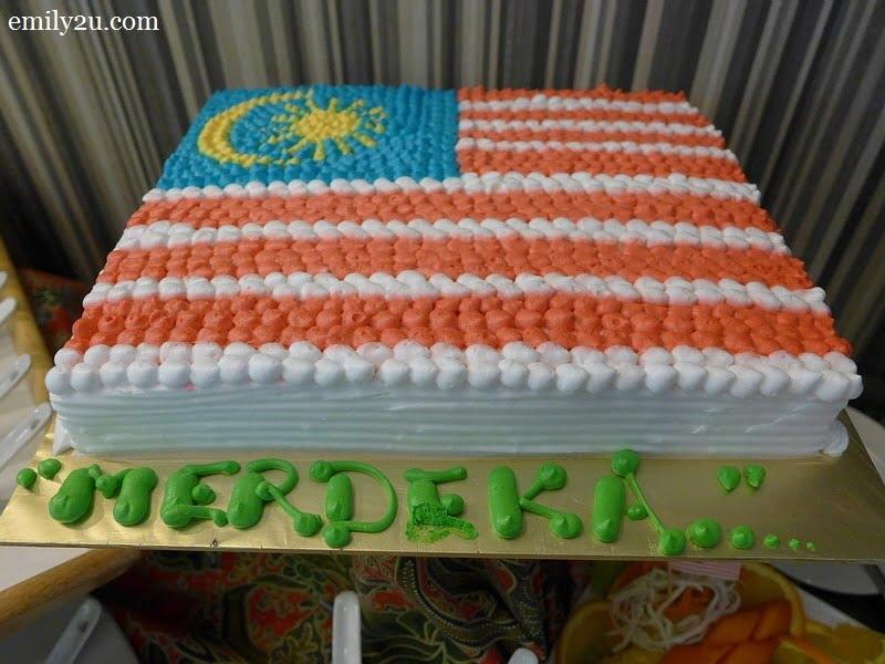 23. Merdeka cake