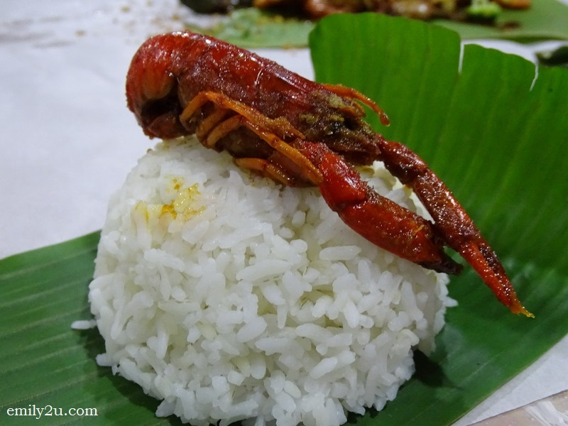 3. crayfish on rice ready to be savoured