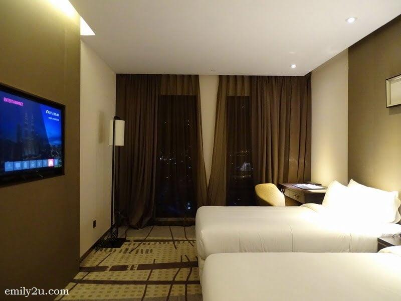 4. twin room