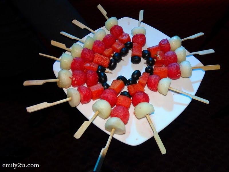 13. fruits platter