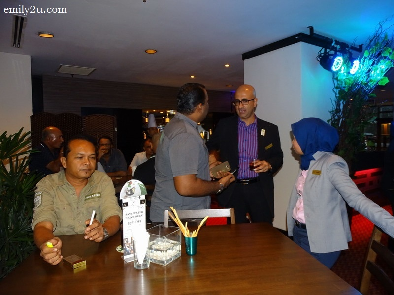 5. Impiana Hotel Ipoh General Manager Raajdeep Dhillon (2nd from R) mingle with guests