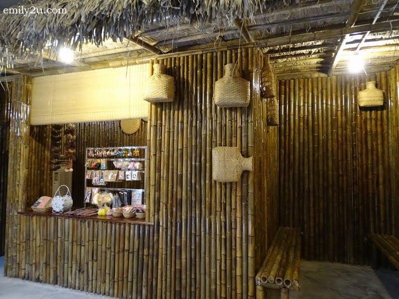 12. souvenir store