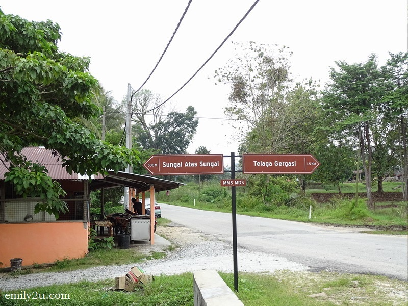 1. right to Telaga Gergasi, left to Sungai Atas Sungai