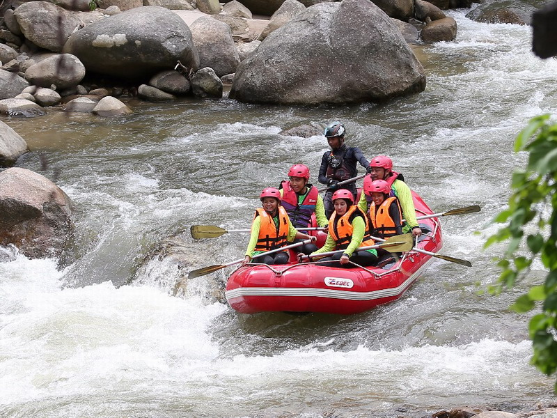 4. white water rafting in Sungai Kampar, Gopeng