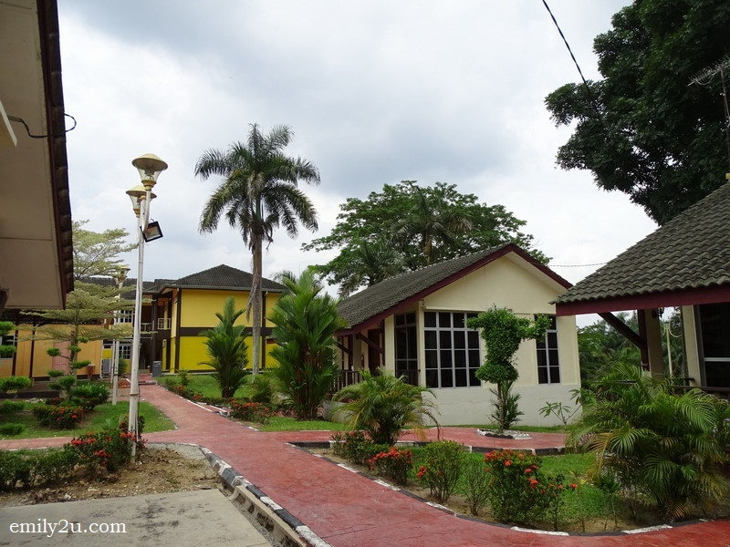 8. Selama Inn grounds