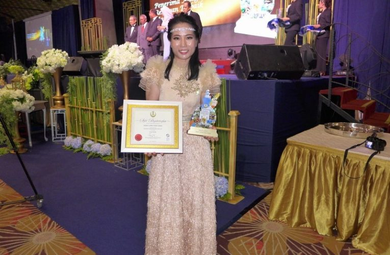 Emily2u.com Conferred the 2017 Perak Tourism Awards in Social Media