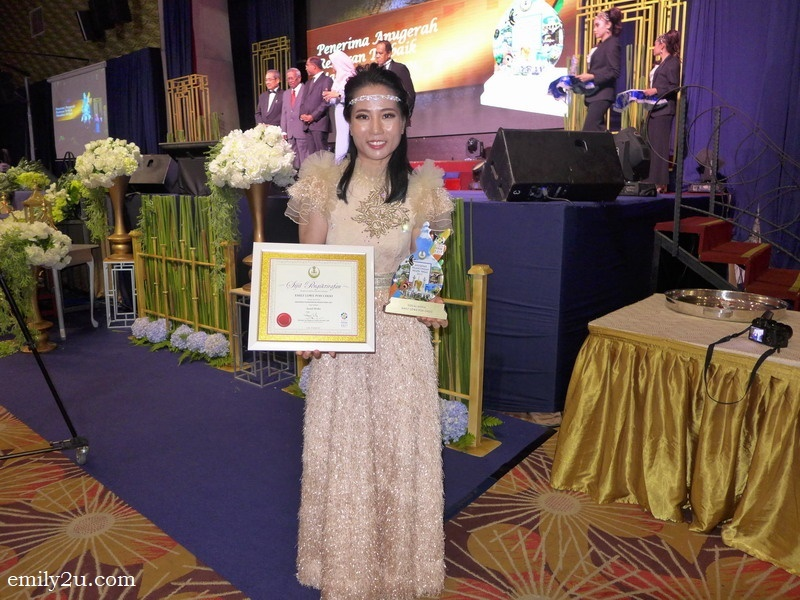 11. yours truly right after receiving the award, dressed in a Lester Yim Couture 2018 Collection