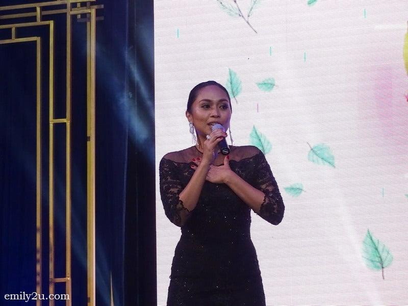 17. guest artiste Dayang Nurfaizah