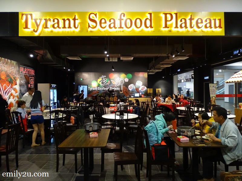 19. Tyrant Seafood Plateau, Awana SkyCentral