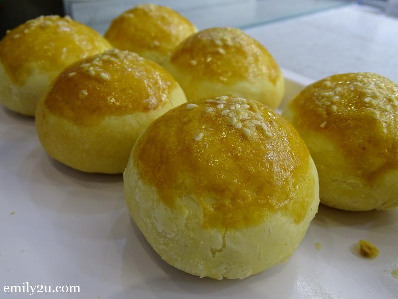 24. salted egg siew pow