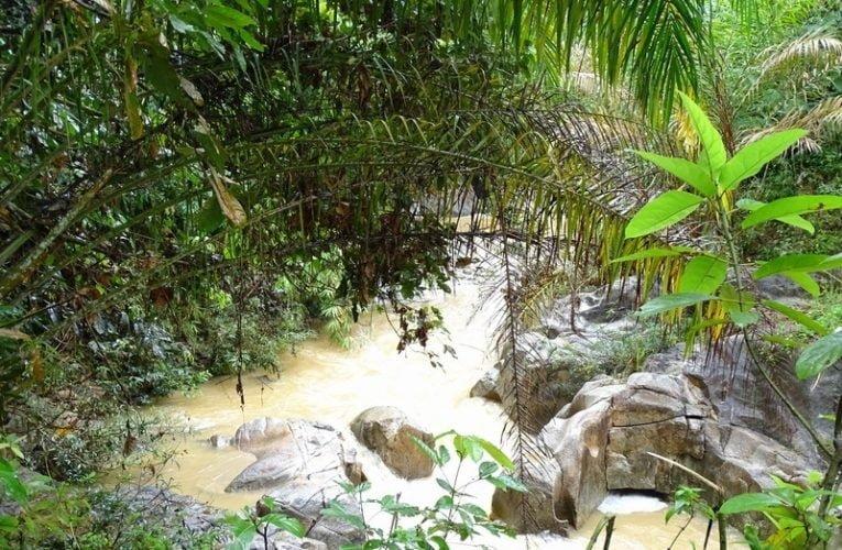 Gepai Falls / Lubuk Degong Waterfalls in Bidor, Perak