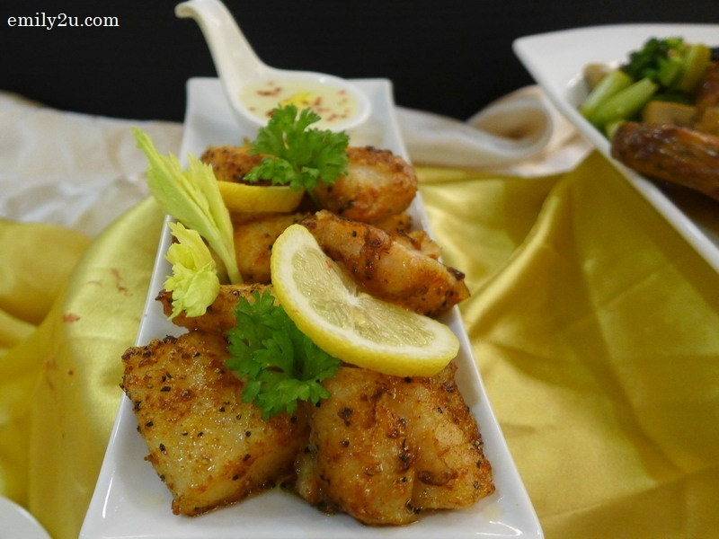 4. Grilled Fish with Lemon Butter Sauce
