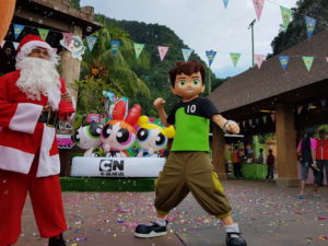 5 Santa Claus and ben 10 at Lost World of Tambun