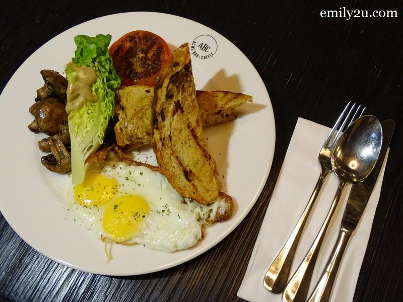 6. ACME Breakfast Club with choice of fried egg, chicken sausage, sauteed mushroom, grilled tomato