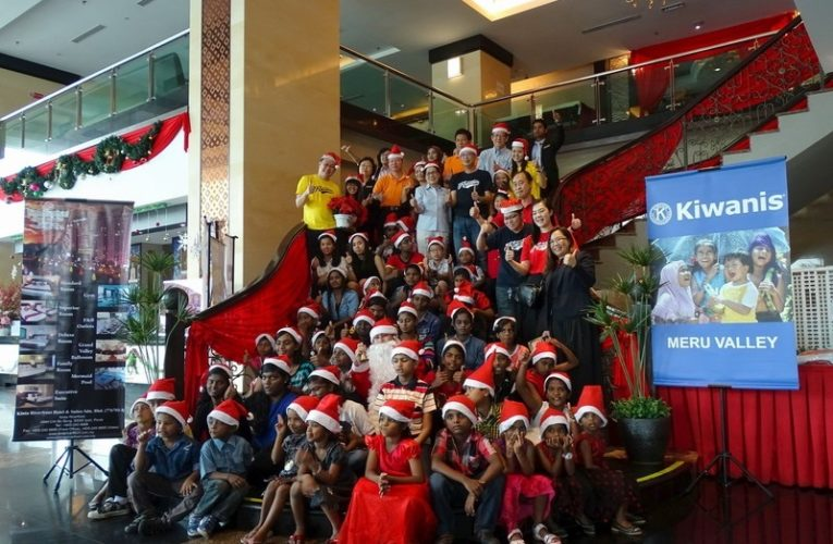 Kiwanis Club of Meru Valley & Kinta Riverfront Hotel Bring Christmas Cheer For The Children