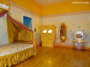 11 Kitty House
