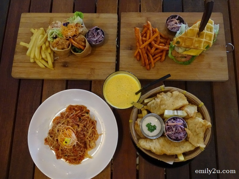 11. the four main courses + fresh orange juice