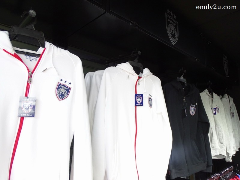 12. JOHOR Southern Tigers zippered hoodies for sale