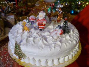 13 Christmas Cake