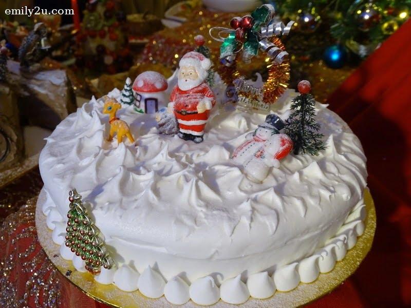 13. Christmas Cake