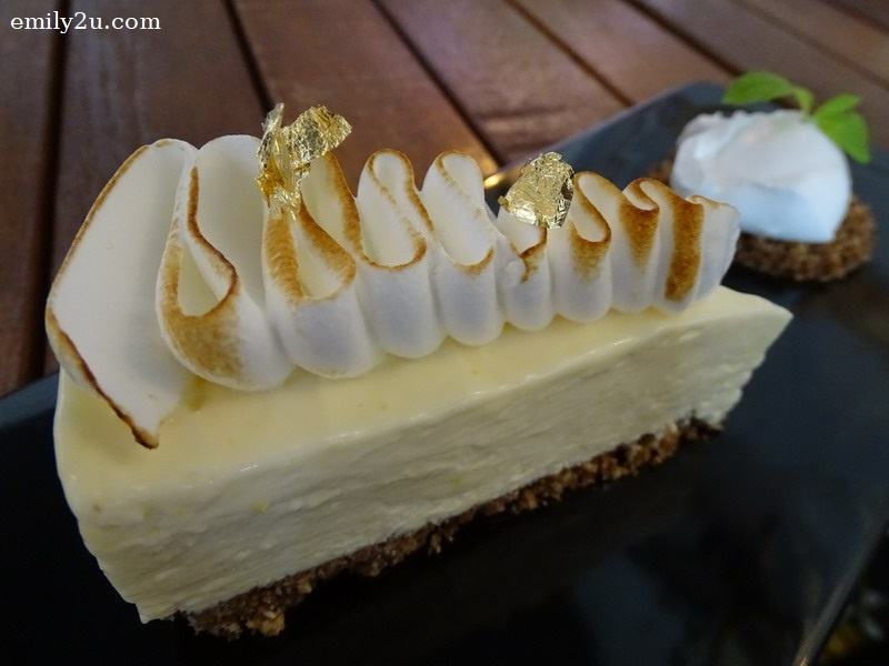 14. Chilled Lemon Cheese Cake