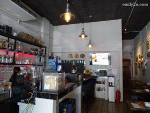 2 Vintage Cafe