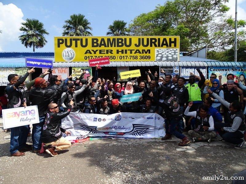 24. a quick stop at Putu Bambu Juriah, Ayer Hitam, Johor
