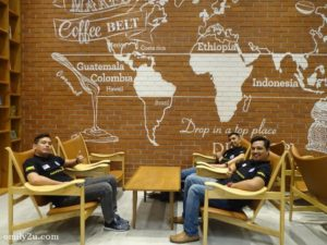 3 Cafe Droptop