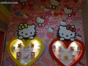 3 Sanrio Hello Kitty Town