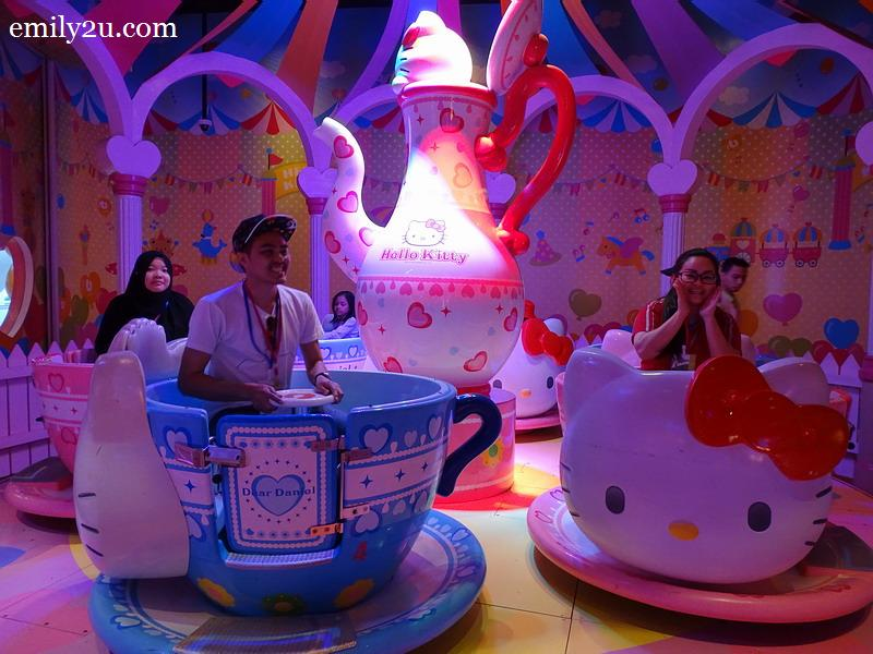 6. Hello Kitty Teacup
