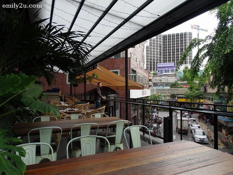 7. dining area