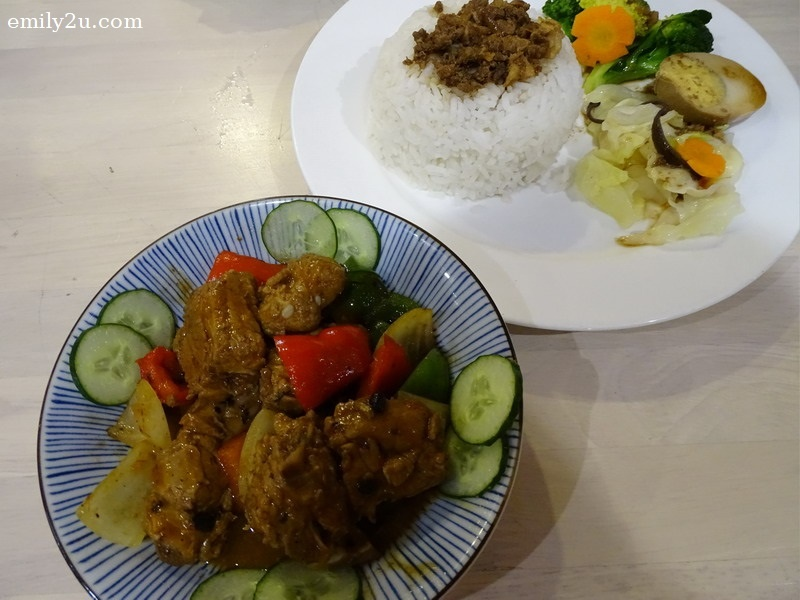 9. Curry Chicken Rice